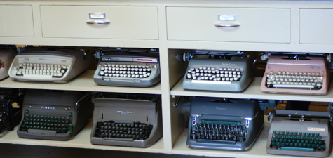 RegAssemText_Vintage_Typewriters