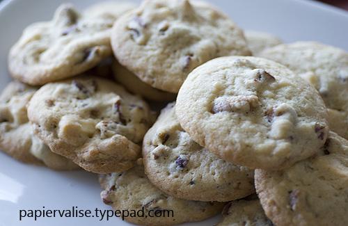 Fig white chocolate pecan cookies 2 papiervalise.typepad.com